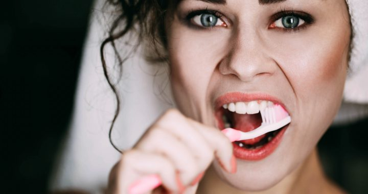 How-to-Properly-Brush-Your-Teeth.jpg